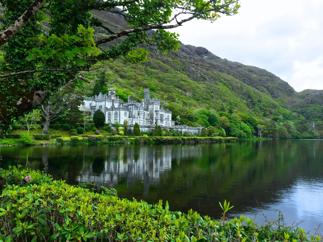 Kylemore_Abbey_Ireland