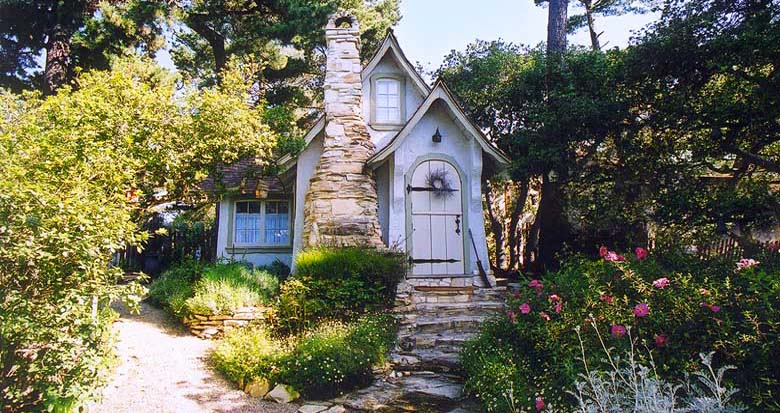 Visiting carmel by the sea california world of wanderlust for Carmel house