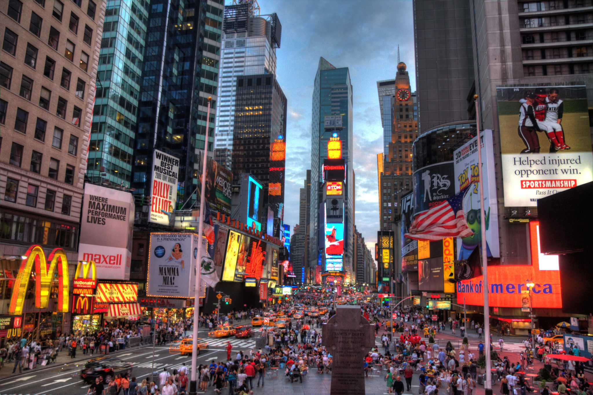 You can 39 t go to new york and not see these 20 must see new for Things to do in times square nyc