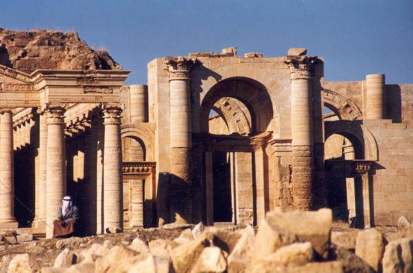 Hatra_ruins