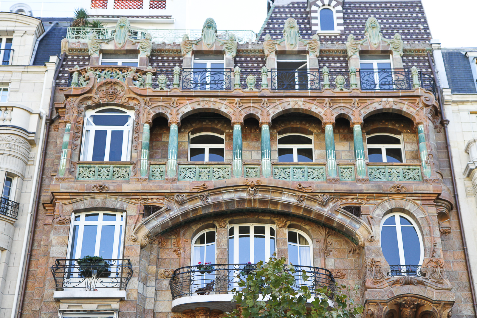 A guide to art nouveau in paris world of wanderlust for Deco in paris