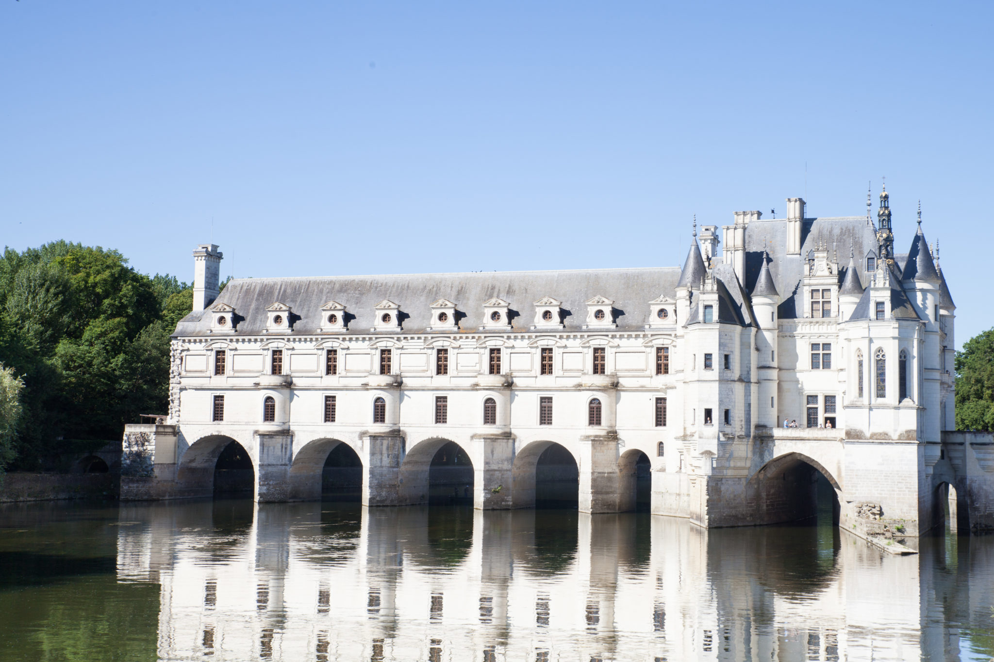 A guide to the loire valley world of wanderlust for Castles to stay in france