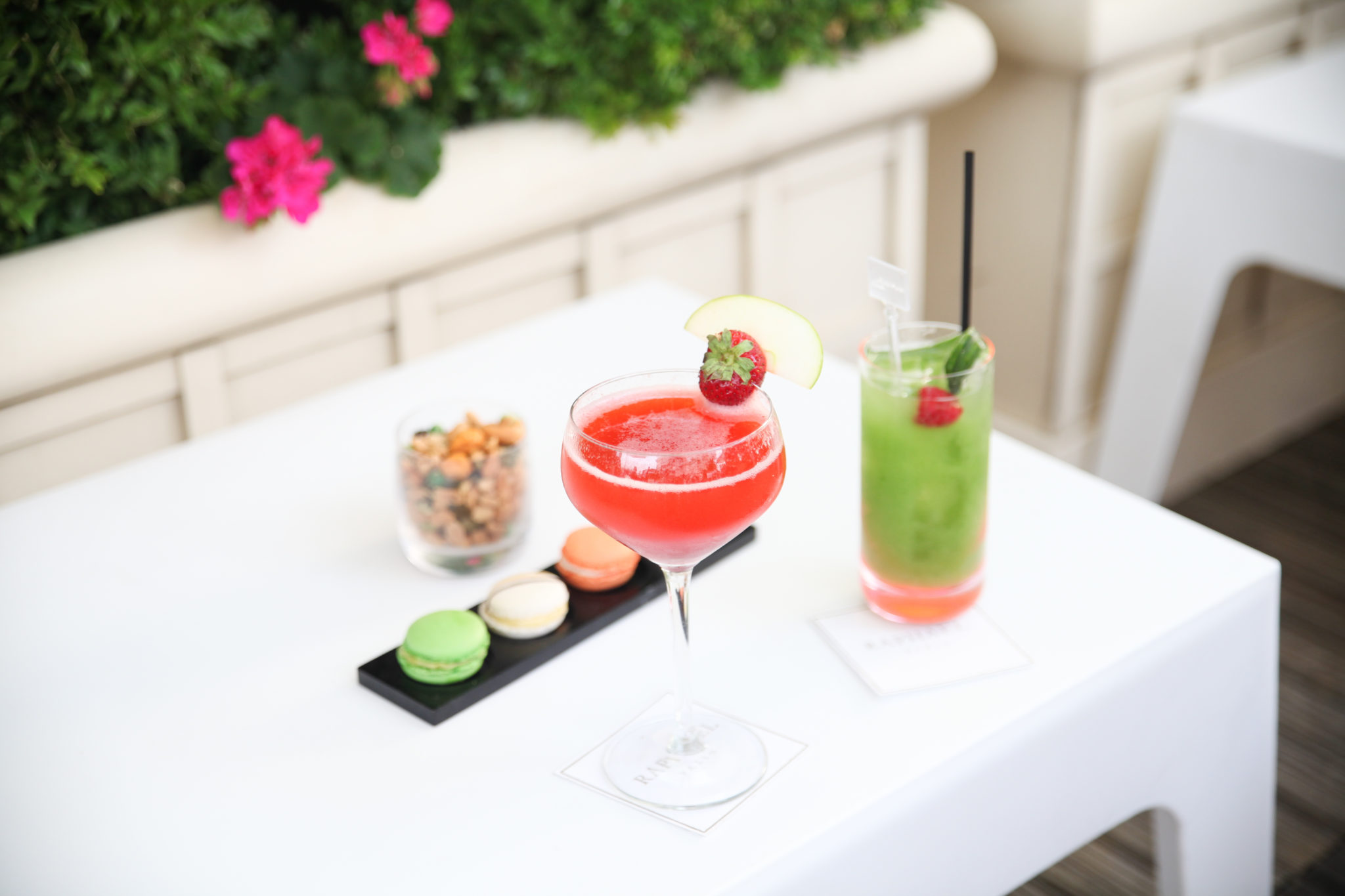 The Best 10 Mixologist Cocktail Bars in Paris