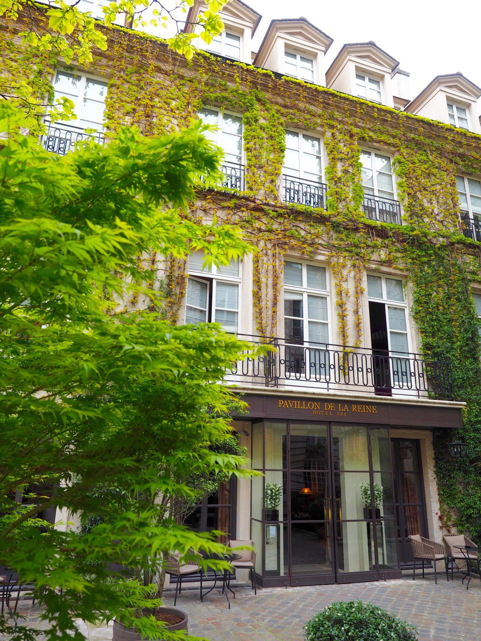 Hotel-Pavillon-de-la-reine