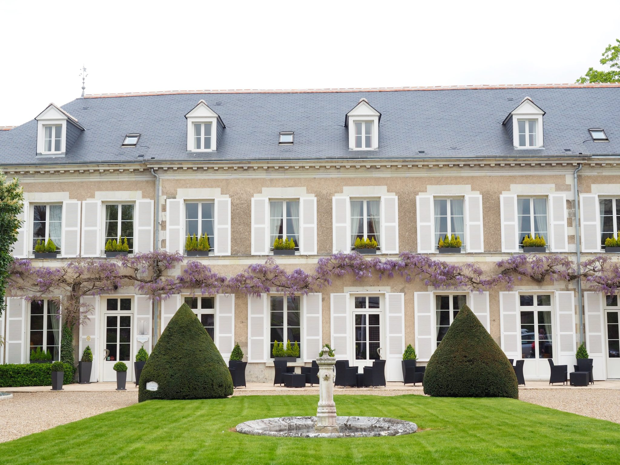 Checking in: Manoir les Minimes in Loire Valley