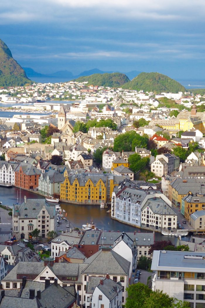 The Prettiest Coastal Cities & Towns in Norway you Have to Visit!