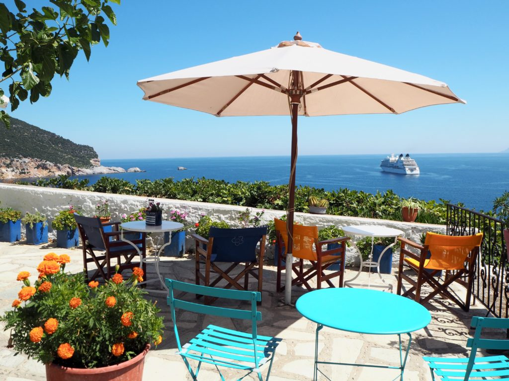 Guide to Skopelos Greece | WORLD OF WANDERLUST