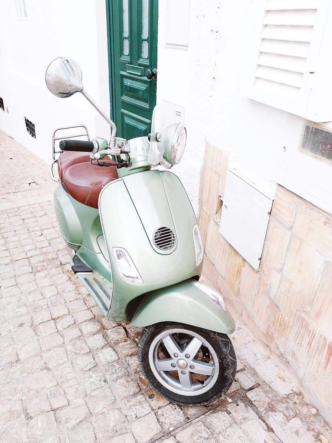 Renting a vespa in Cannes