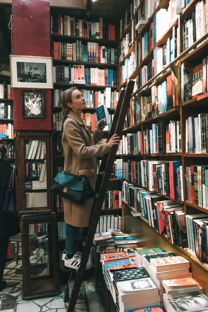 Where to Find the Best Bookstores in Paris