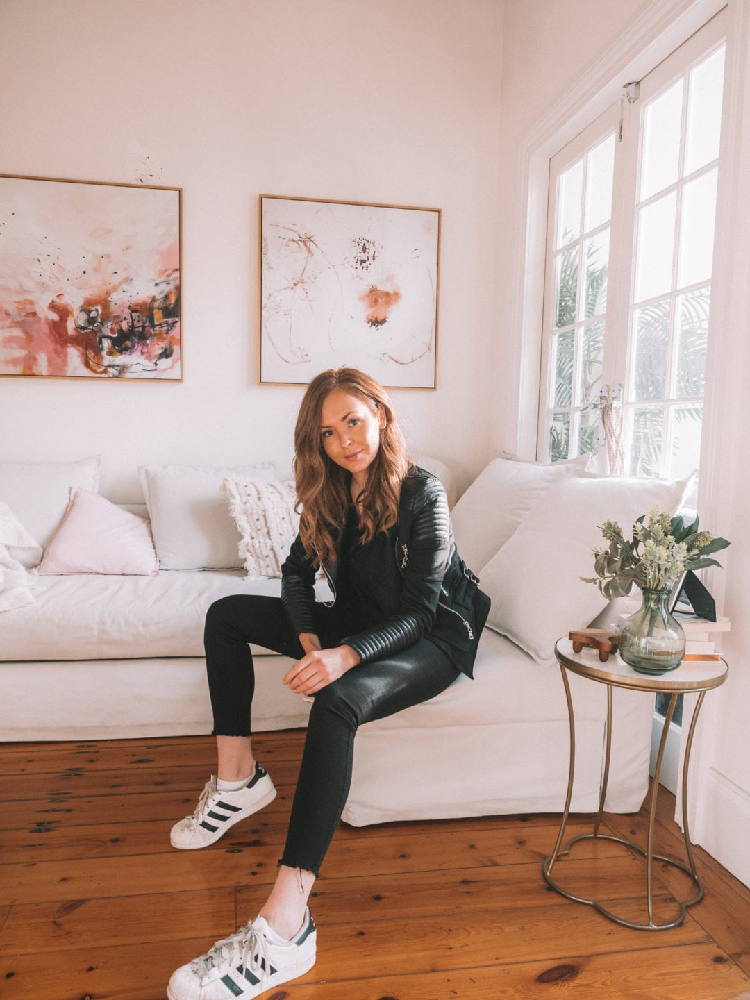 Inside the apartment of a Travel Blogger | Apartment Tour with World of Wanderlust