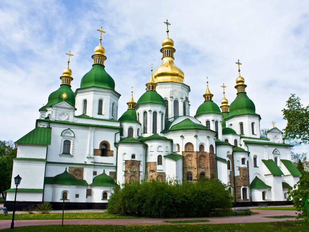 Kiev Ukraine | WORLD OF WANDERLUST