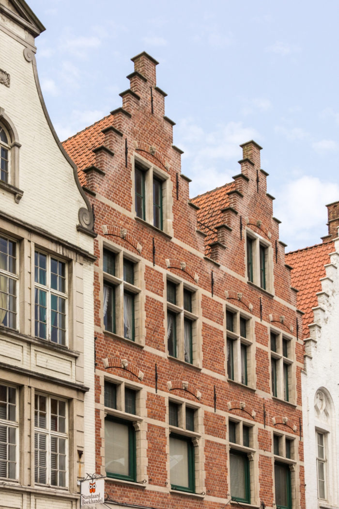 The most beautiful city in Belgium: The WOW Travel Guide to Bruges