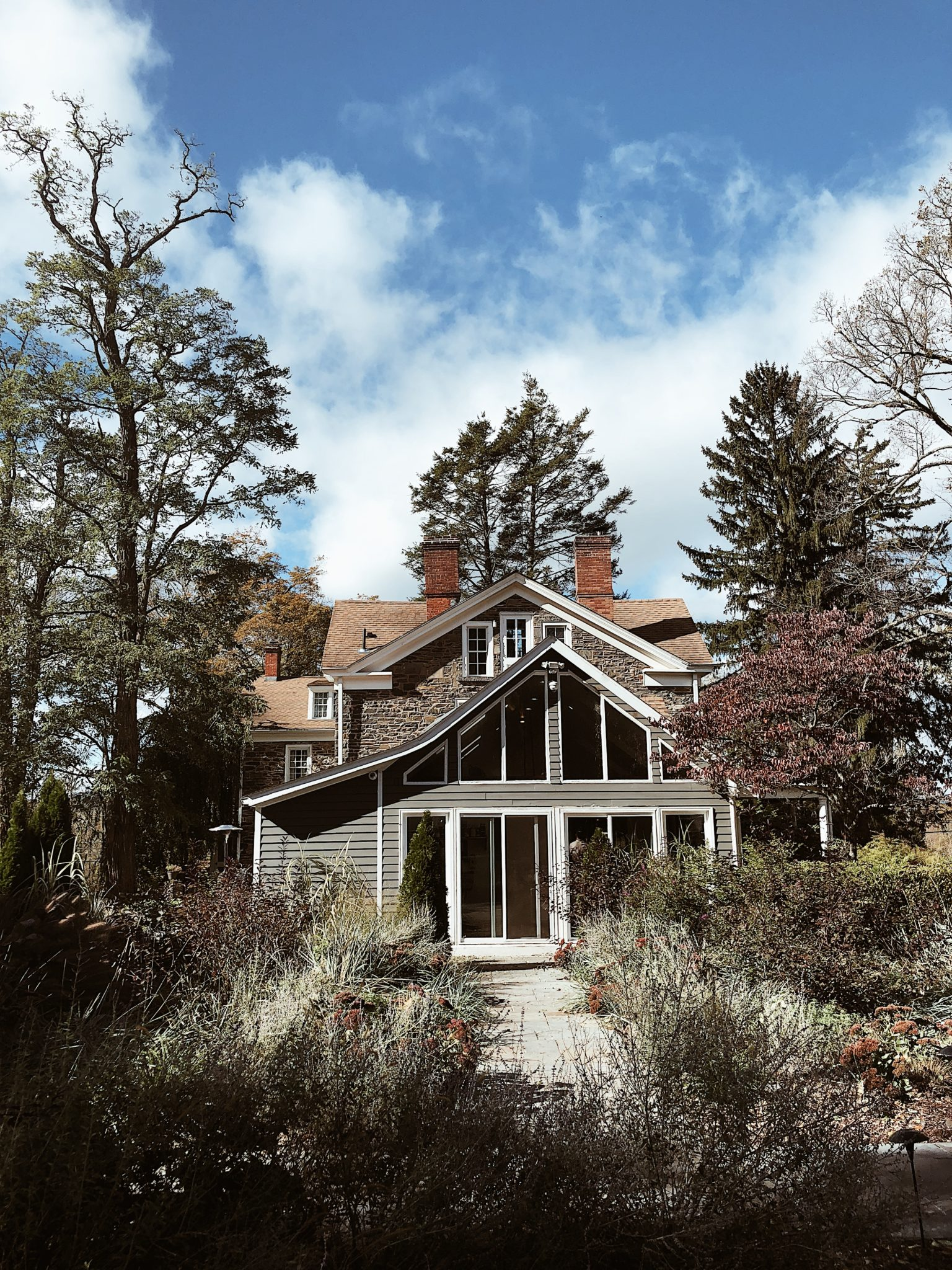 Hasbrouck House Upstate New York | WORLD OF WANDERLUST