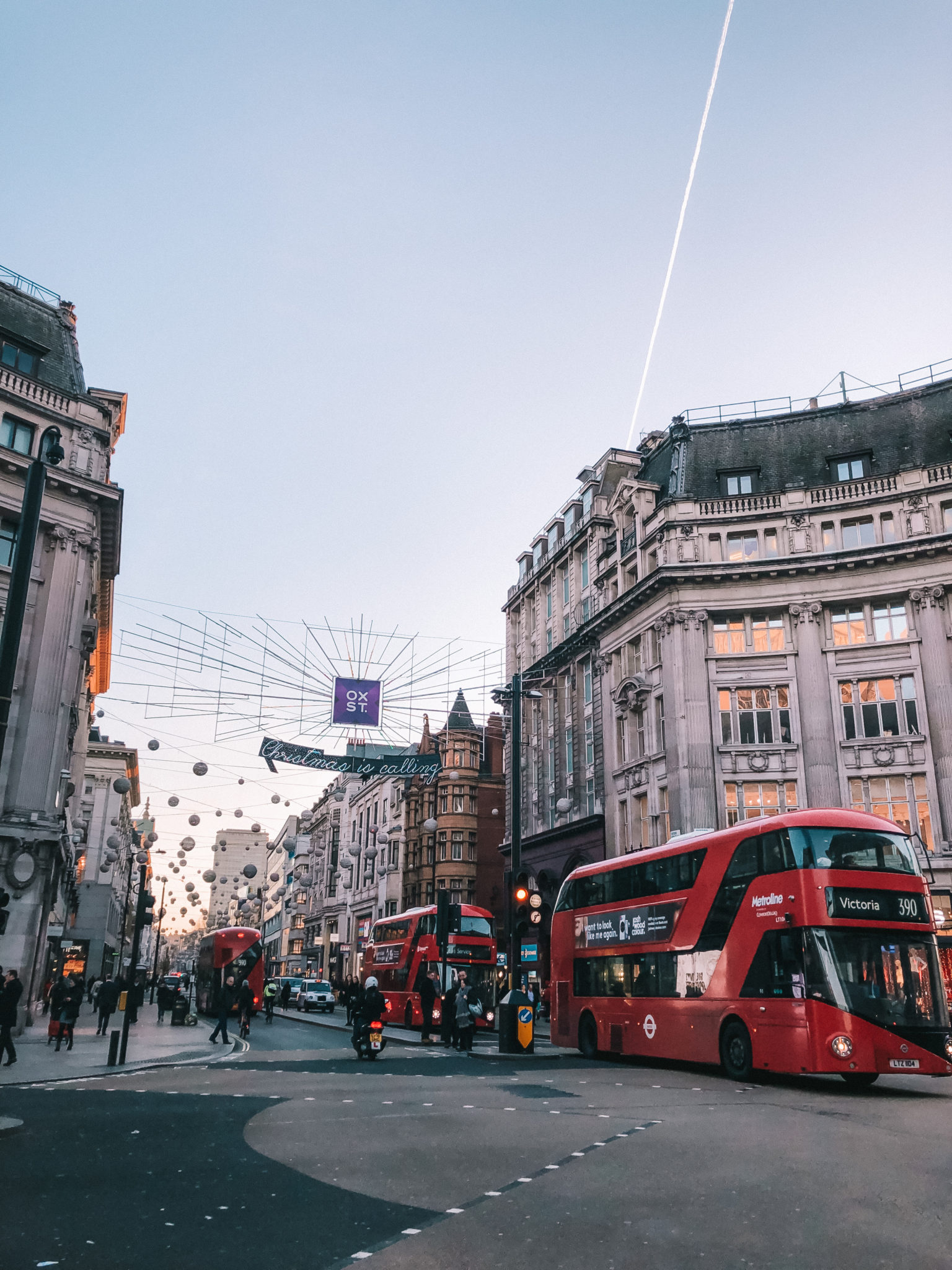 London at Christmas | WORLD OF WANDERLUST