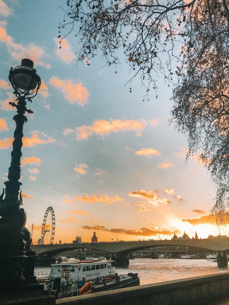 London River Thames   WORLD OF WANDERLUST