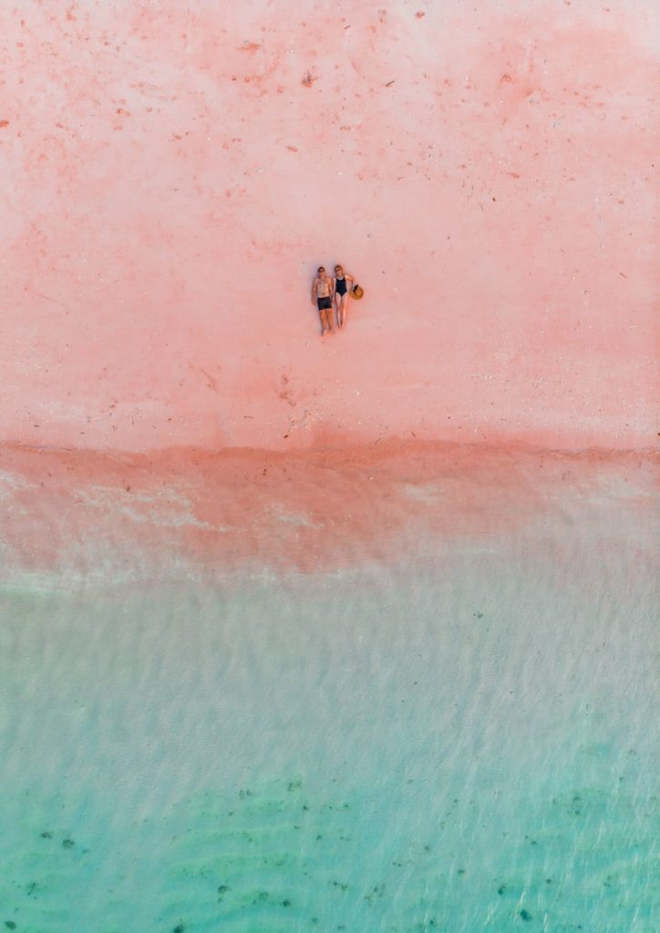 Pink Beach Indonesia | WORLD OF WANDERLUST